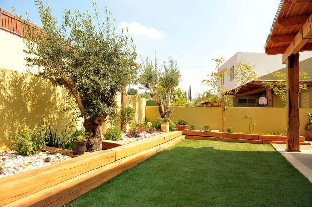 אדני רכבת מעץ טבעי למסגור הצמחייה